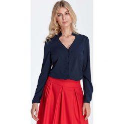 Odzież damska: Granatowa Elegancka Bluzka z Ozdobnym Dekoltem