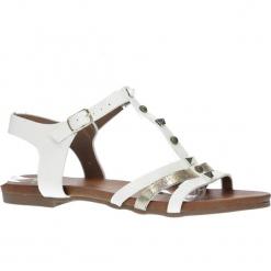 Białe płaskie i lekkie sandały z dżetami Casu K18X3/W. Białe sandały damskie Casu, na płaskiej podeszwie. Za 29,99 zł.