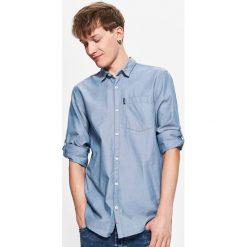 Gładka koszula z kieszenią - Niebieski. Niebieskie koszule męskie marki Cropp, l. Za 69,99 zł.