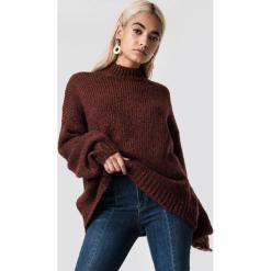 NA-KD Trend Sweter z golfem z domieszką wełny - Red. Czerwone golfy damskie NA-KD Trend, z dzianiny. Za 242,95 zł.