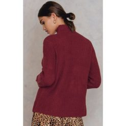 Rut&Circle Sweter z dzianiny Marielle - Red. Szare golfy damskie marki Vila, l, z dzianiny, z okrągłym kołnierzem. W wyprzedaży za 73,48 zł.