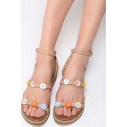 Beżowe Sandały Smile Bloom. Brązowe sandały damskie marki NEWFEEL, z gumy. Za 79,99 zł.