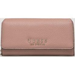 Guess Jeans - Portfel. Różowe portfele damskie Guess Jeans, z jeansu. Za 279,90 zł.