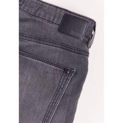 DRYKORN JAW Jeansy Slim Fit grey. Niebieskie jeansy męskie relaxed fit marki DRYKORN, m, z dekoltem karo. W wyprzedaży za 503,20 zł.