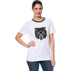 Koszulka w kolorze białym. Białe bluzki damskie Mavi, xs, z nadrukiem, z okrągłym kołnierzem. W wyprzedaży za 64,95 zł.