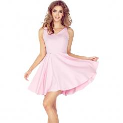 Różowa Sukienka  z Dekoltem w  Kształcie Serca. Różowe sukienki balowe marki numoco, l, z dekoltem w łódkę, oversize. Za 149,90 zł.