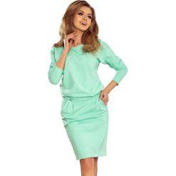 Heidi Sukienka dresowa z dekoltem na plecach - MIĘTOWA. Szare długie sukienki marki bonprix, melanż, z dresówki, z kapturem, z długim rękawem. Za 139,00 zł.