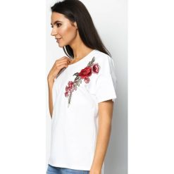 T-shirty damskie: Biały T-shirt Delighted