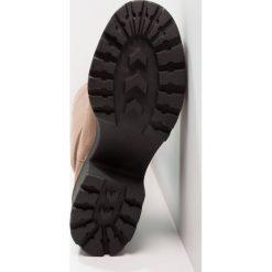 Coolway IMID Muszkieterki taupe. Brązowe buty zimowe damskie Coolway, z materiału. W wyprzedaży za 149,50 zł.