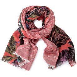 Szal GUESS - Not Coordinated Wool AW6727 MOD03  RFL. Brązowe szaliki damskie Guess, z aplikacjami, z wiskozy. W wyprzedaży za 159,00 zł.