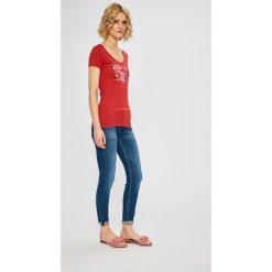 Pepe Jeans - Top Cara. Szare topy damskie Pepe Jeans, s, z nadrukiem, z bawełny, z okrągłym kołnierzem. Za 99,90 zł.
