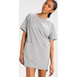Sukienki dzianinowe: Native Youth Sukienka dzianinowa grey