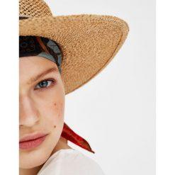 Kapelusze damskie: Kapelusz w rustykalnym stylu z tasiemką