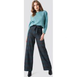 Spodnie damskie: Trendyol Szerokie spodnie w kratkę - Grey