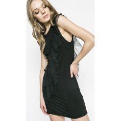 Answear - Sukienka Twilight. Szare sukienki dzianinowe marki ANSWEAR, na co dzień, l, casualowe, z okrągłym kołnierzem, mini, proste. W wyprzedaży za 49,90 zł.