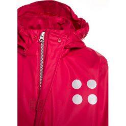 LEGO Wear JAMAICA Kurtka przeciwdeszczowa red. Czerwone kurtki chłopięce przeciwdeszczowe marki Reserved, z kapturem. Za 149,00 zł.