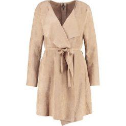 Płaszcze damskie pastelowe: Smash BREVIPES Krótki płaszcz beige