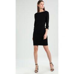 Rue de Femme PAMELA DRESS Sukienka etui black. Czarne sukienki marki Rue de Femme, xl, z elastanu. W wyprzedaży za 439,20 zł.