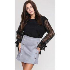 Swetry klasyczne damskie: Czarny Sweter Decorative Elements
