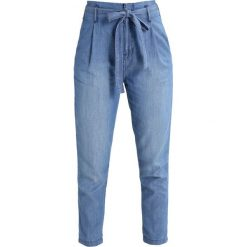 Boyfriendy damskie: GAP Jeansy Relaxed Fit medium indigo