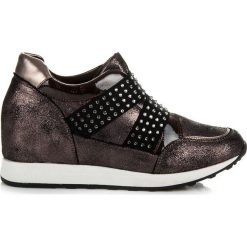 Buty ślubne damskie: Rockowe trampki na koturnie Comely