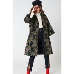 Płaszcze damskie pastelowe: Hannalicious x NA-KD Płaszcz z rękawami kimono – Green