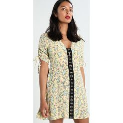 Sukienki hiszpanki: Topshop FLORAL Sukienka koszulowa yellow