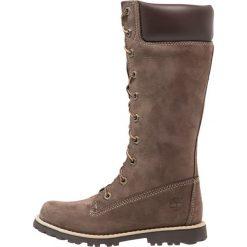 Timberland CLASSIC TALL LACE UP WITH SIDE ZIP Kozaki sznurowane dark brown. Brązowe buty zimowe damskie marki Timberland, z materiału, na wysokim obcasie. W wyprzedaży za 211,60 zł.