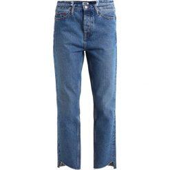 Tommy Jeans HIGH RISE IZZY Jeansy Slim Fit tommy jeans mid blue rigid. Niebieskie jeansy damskie marki Tommy Jeans. W wyprzedaży za 356,85 zł.