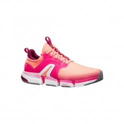 Buty damskie do szybkiego marszu PW 590 Xtense koralowe/różowe. Czarne buty do fitnessu damskie marki Adidas, z kauczuku. Za 199,99 zł.