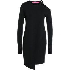 Sukienki dzianinowe: 81hours Studio SLIT SHOULDER DRESS Sukienka dzianinowa black