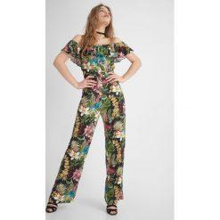 Odzież damska: Kombinezon z dekoltem carmen