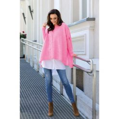 Modny sweter ponczo jasnoróżowy MOLLY. Czerwone poncza Lemoniade, na jesień, ze splotem. Za 149,90 zł.