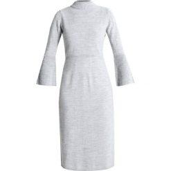 Sukienki dzianinowe: Cortefiel MIDI DRESS WITH FLARED CUFFS Sukienka dzianinowa grey