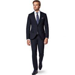 Garnitur Granatowy Modest. Niebieskie garnitury marki LANCERTO, z bawełny. W wyprzedaży za 799,90 zł.