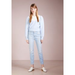 CLOSED PUSHER Jeansy Slim Fit light heaven blue. Niebieskie jeansy damskie relaxed fit CLOSED. W wyprzedaży za 599,20 zł.
