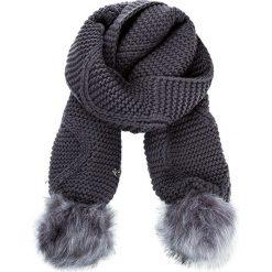 Szal GUESS - Not Coordinated Wool AW6800 WOL03 GRY. Szare szaliki damskie Guess, z aplikacjami, z materiału. Za 229,00 zł.