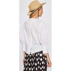 Answear - Bluzka Stripes Vibes. Szare bluzki nietoperze marki TOMMY HILFIGER, m, z nadrukiem, z bawełny, casualowe, z okrągłym kołnierzem. W wyprzedaży za 59,90 zł.