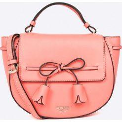 Guess Jeans - Torebka Leila. Różowe torebki klasyczne damskie Guess Jeans, z jeansu. W wyprzedaży za 399,90 zł.