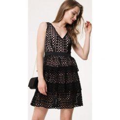 czarna sukienka dla nastolatków związek lesbijek
