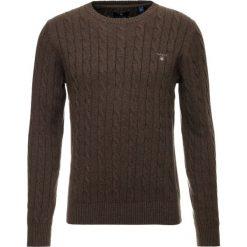 GANT CABLE CREW Sweter brown melange. Brązowe swetry klasyczne męskie marki GANT, m, z bawełny. Za 589,00 zł.