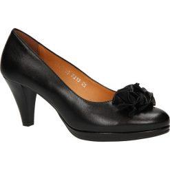 CZÓŁENKA KORDEL 848 CZARN. Czarne buty ślubne damskie Casu, na koturnie. Za 199,99 zł.
