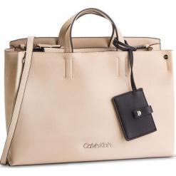 Torebka CALVIN KLEIN - Tack Tote K60K604816 638. Brązowe torebki klasyczne damskie Calvin Klein, ze skóry ekologicznej. Za 699,00 zł.