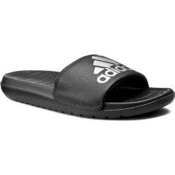 Klapki adidas - Voloomix AQ5897 Cblack/Silvmt/Cblack. Czarne klapki męskie marki Adidas, z tworzywa sztucznego. Za 89,95 zł.