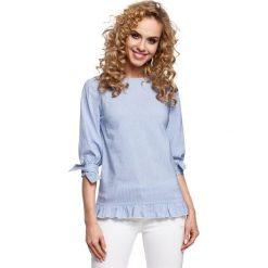 COLETTE Bluzka w prążek z falbanką i wiązaniem - niebieska. Niebieskie bluzki z falbaną Moe, w prążki, z falbankami. Za 129,99 zł.