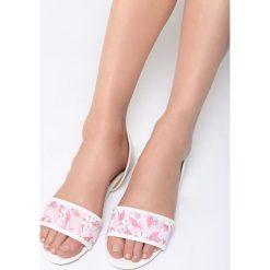 Biało-Beżowe Sandały Evergreen. Białe sandały damskie marki Born2be, z materiału, na obcasie. Za 59,99 zł.