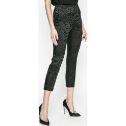 Guess Jeans - Legginsy Mariette. Szare legginsy marki Guess Jeans, m, z aplikacjami, z acetatu. W wyprzedaży za 269,90 zł.