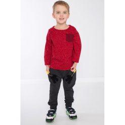 Czerwona bluzka chłopięca z kieszonką DZ9027. Czerwone spodnie chłopięce marki Fasardi, l. Za 39,00 zł.