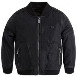 Kurtka w kolorze czarnym. Czarne kurtki chłopięce marki Mayoral. W wyprzedaży za 129,95 zł.