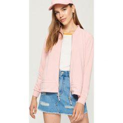 Bluza ze ściągaczem - Różowy. Czerwone bluzy damskie marki Sinsay, l. W wyprzedaży za 29,99 zł.